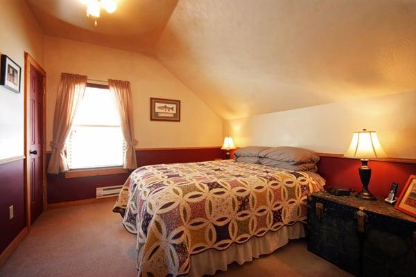 Queen Bedroom at Cabin on Rock Creek