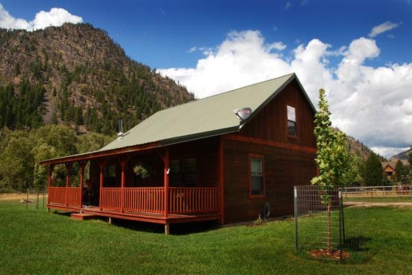 Golden Stone Cabin Exterior