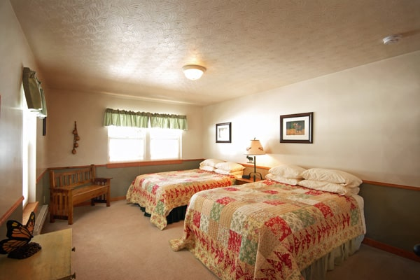 Double Queen Bedroom at Golden Stone Cabin